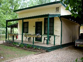 Pioneer Garden Cottages - Lismore Accommodation