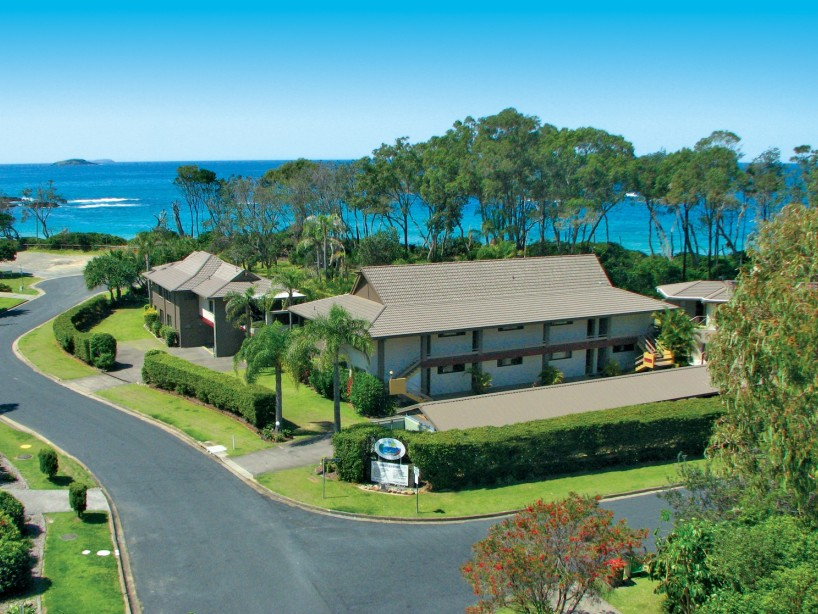 Absolute Beachfront Smugglers on the Beach - Lismore Accommodation