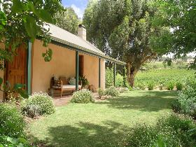 Seppeltsfield Vineyard Cottage - Lismore Accommodation