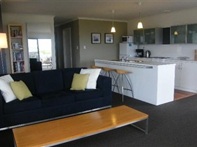 Coorong Waterfront Retreat - Lismore Accommodation