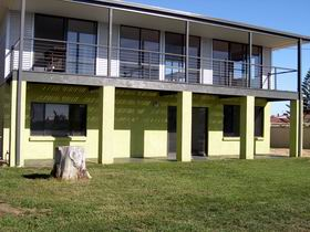 Sea Lime Beach House - Lismore Accommodation