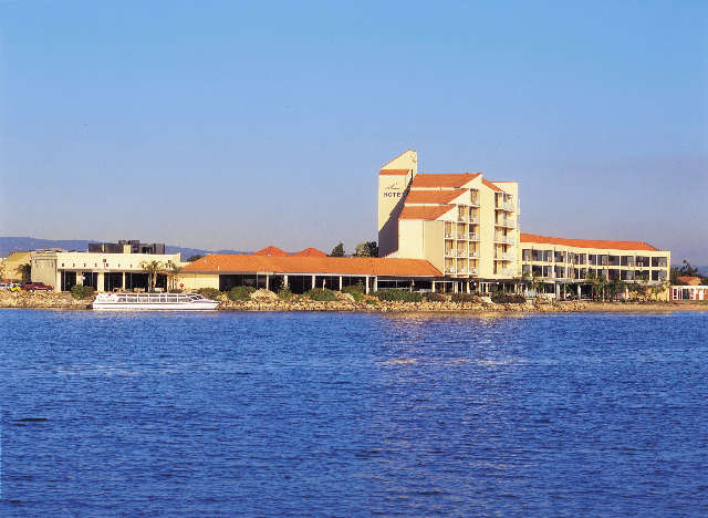 The Lakes Resort Hotel - Lismore Accommodation