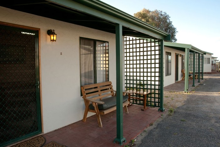 Moonta Bay Road Cabins and Cottages - Lismore Accommodation