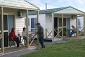 Discovery Holiday Parks Devonport Cosy Cabins - Lismore Accommodation