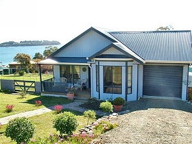 Bruny Island Accommodation Services - Omaroo Cottage - Lismore Accommodation