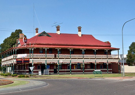 The New Coolamon Hotel - Lismore Accommodation