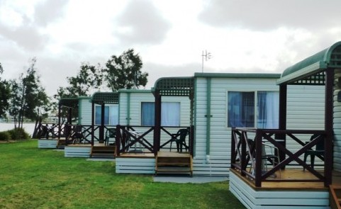Belmont Pines Lakeside Holiday Park - Lismore Accommodation
