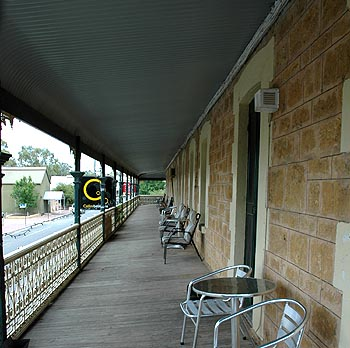 Hotel Mannum - Lismore Accommodation