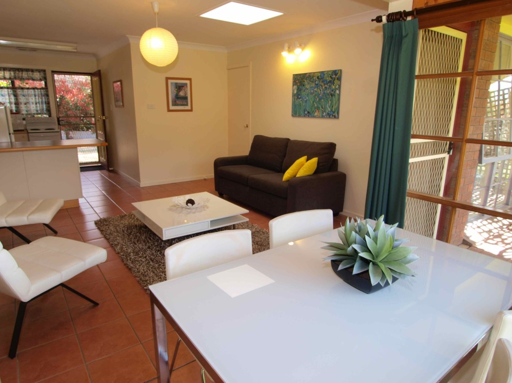 Bright Highland Valley Cottages - Lismore Accommodation