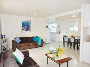Lucinda Holiday Rentals  - Lismore Accommodation