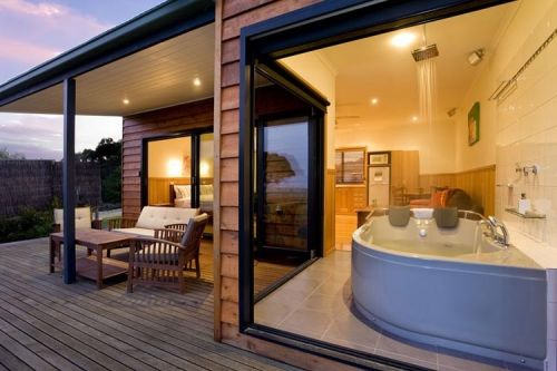 Coastal View Cabins - Lismore Accommodation