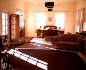 Old Parkes Convent - Lismore Accommodation