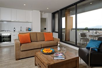 Apartments  IKON Glen Waverley - Lismore Accommodation