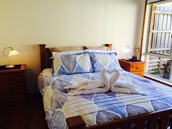 Australian Home Away  East Doncaster Andersons Creek 1 - Lismore Accommodation