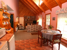 Rosebank Cottage Collection - Lismore Accommodation