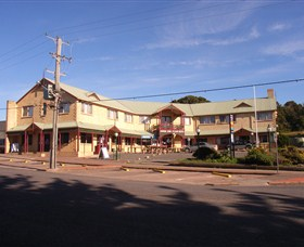 Parer's King Island Hotel - Lismore Accommodation