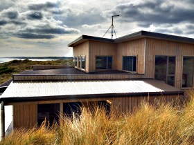 King Island Breaks - Porky's Beach House - Lismore Accommodation
