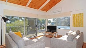 Barrakee Beach House - Anglesea - Lismore Accommodation