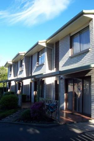 Davey Place Holiday Town Houses - Lismore Accommodation