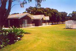 Highview Holiday Village Caravan Park - Lismore Accommodation