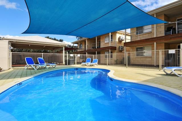 Lakeside Holiday Apartments - Lismore Accommodation