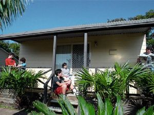 Canton Beach Waterfront Tourist Park - Lismore Accommodation