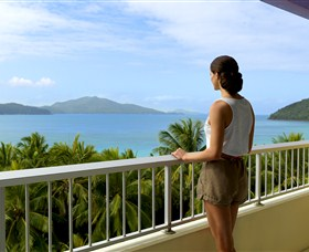 Hamilton Island Reef View Hotel - Lismore Accommodation