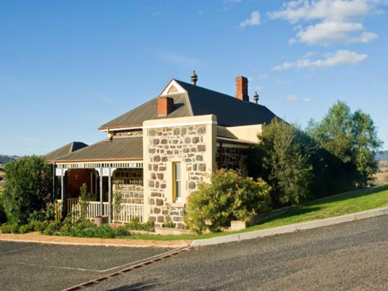 Hermitage Hill Resort - Lismore Accommodation