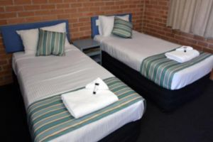 The Oaks Hotel Motel  - Lismore Accommodation