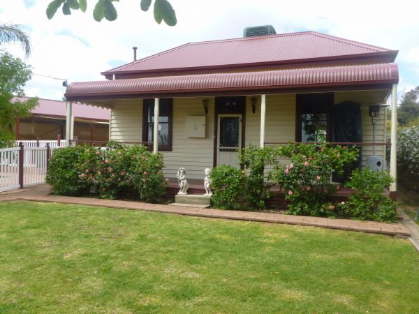 Country Cottages BB - Lismore Accommodation