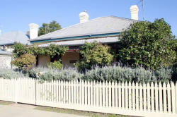 Florennes Heritage Cottage - Lismore Accommodation