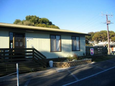Lake Albert Caravan Park - Lismore Accommodation