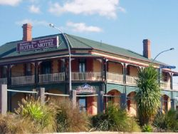 Streaky Bay Hotel Motel - Lismore Accommodation