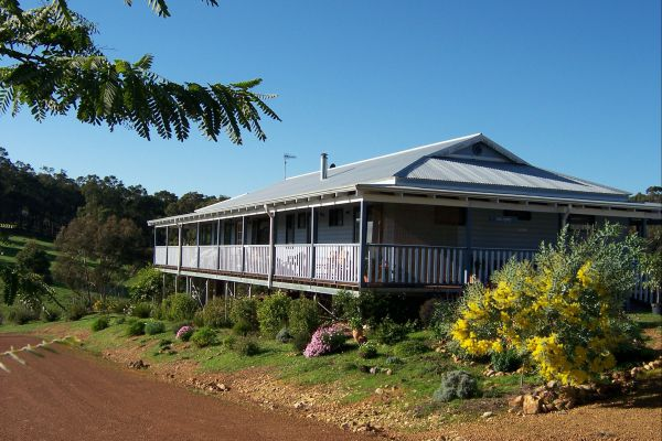 Blue House Bed and Breakfast - Lismore Accommodation