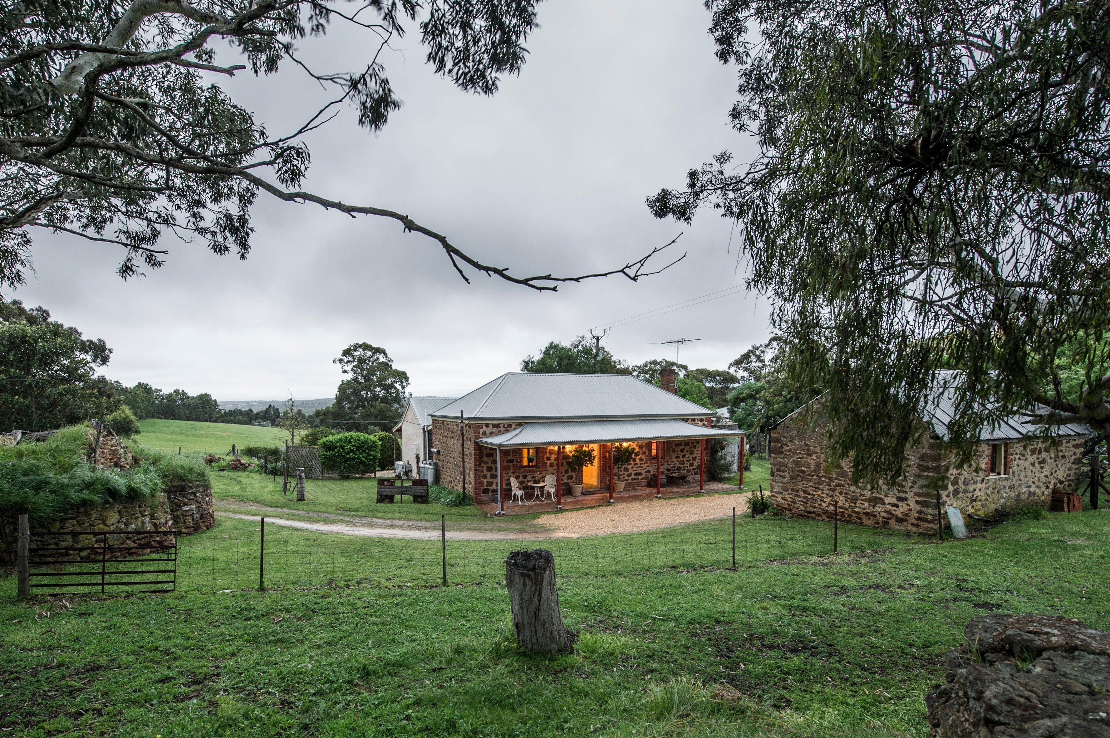 Enerby Farm Cottage - Lismore Accommodation