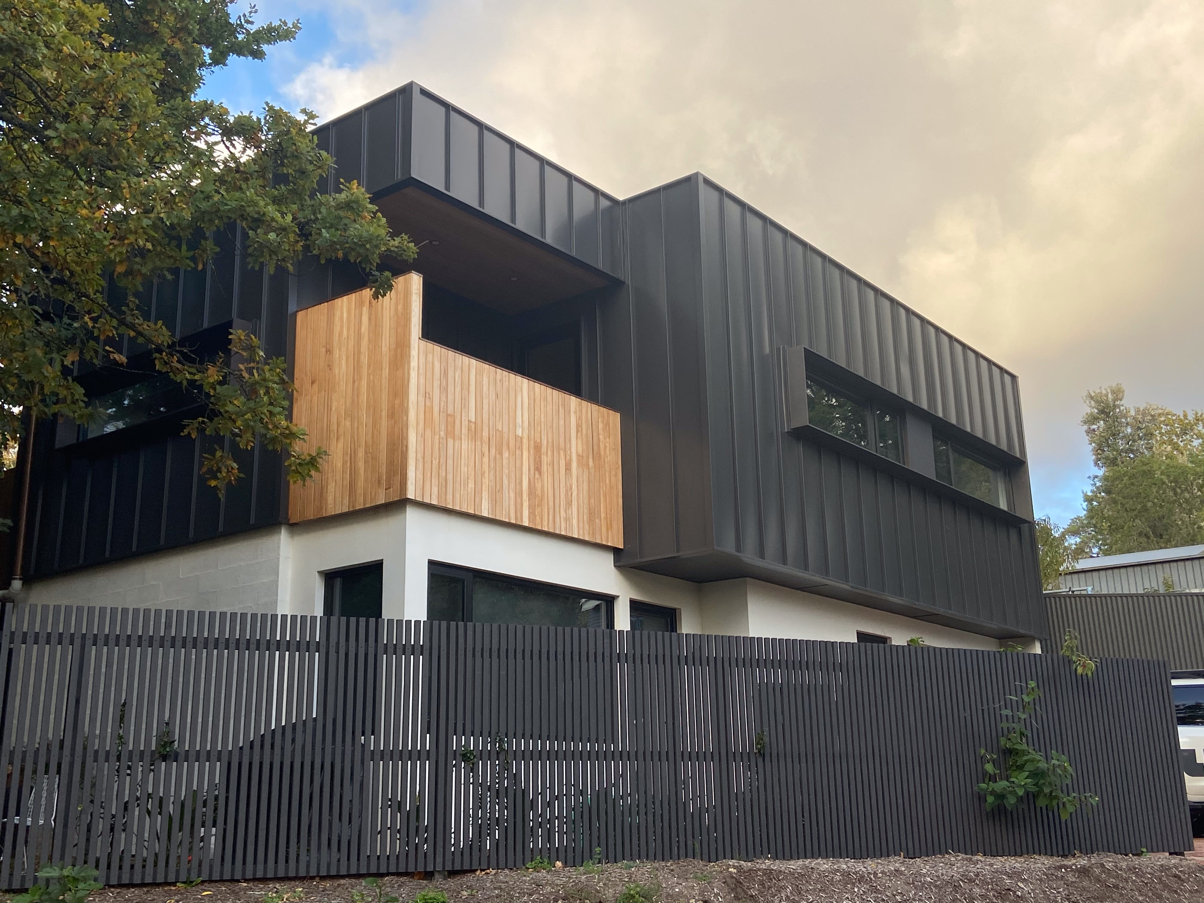 Lucent Art House  Stirling Curated Accommodation - Lismore Accommodation