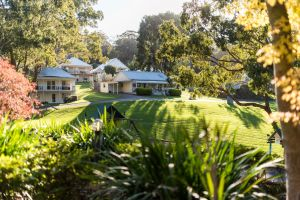 McMillans Of Metung Resort - Lismore Accommodation