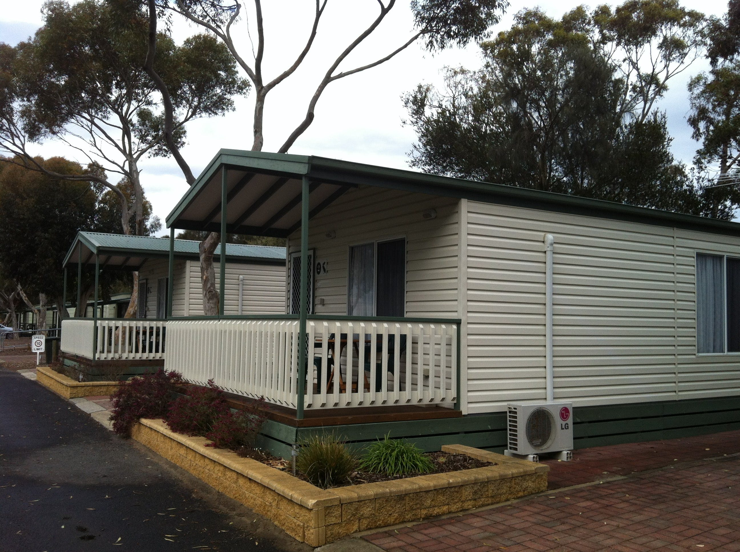 Lake Albert Caravan Park Meningie SA - Lismore Accommodation