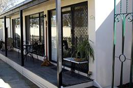 Courtside Cottage Bed and Breakfast - Lismore Accommodation