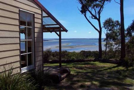 The Island Spa And Cottages - Lismore Accommodation