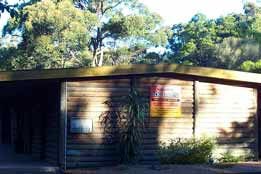 Beachcomber Caravan Park  Log Cabins - Lismore Accommodation