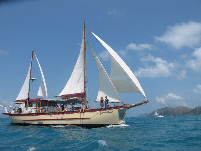 Adventure Cruise Dive and Outer Reef - Whitsundays Sailing Adventures