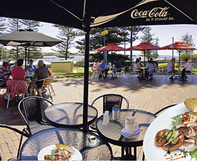 The Beach and Bush Gallery and Cafe - Lismore Accommodation