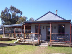 The Globe Hotel. Rylstone - Lismore Accommodation