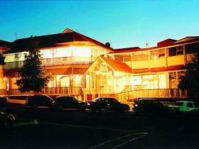 Loxton Community Hotel Motel - Lismore Accommodation