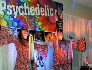 Psychedelic 70s Show The Retro Girls - Lismore Accommodation