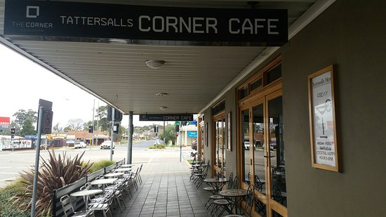 The Corner Cafe -Tatts Pub - Lismore Accommodation
