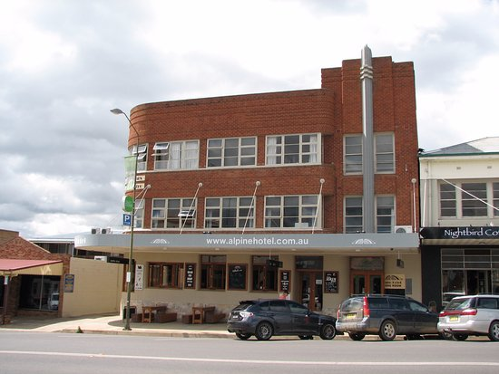 The Alpine Hotel Restaurant Cooma - Lismore Accommodation