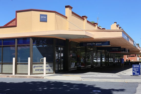 Jones the Grocer - Lismore Accommodation