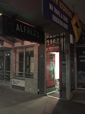 Alfred's Pizzeria  Small Bar - Lismore Accommodation